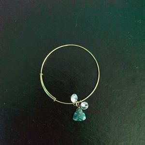 Jewelry - Gold Bangle Bracelet